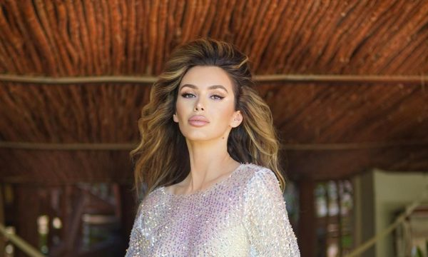 Tika Camaj shfaqet duke bërë poza seksi në jaht - Gazeta
